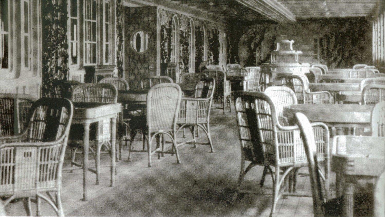 Le café parisien du Titanic